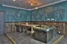 Реализованный проект интерьера One More Pub от студии Circus Delight